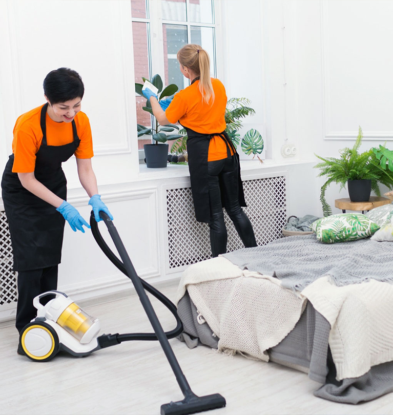 HOLIDAY RENTAL CLEANING